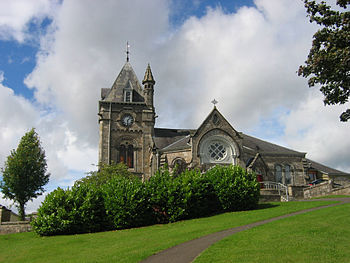 English: Pitlochry Church of Scotland and Trys...