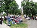 Plaisance (Gers) Marché du dimanche place de l'église.JPG