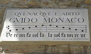 Guido of Arezzo - Image: Plaque of Guido Monaco, Arezzo