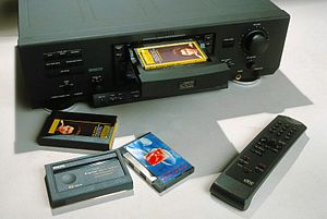 Digital Compact Cassette - Hi-Fi-system-sized DCCs and recorder