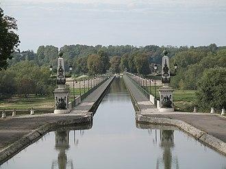 Navigable aqueduct - Briare aqueduct, over the river Loire, France
