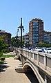 Pont d'Aragó i l'edifici Torre València.JPG
