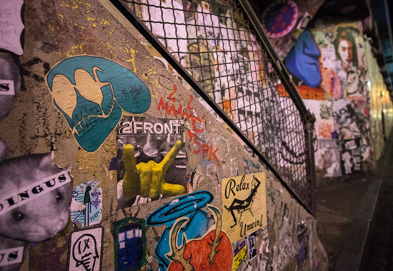 Filepost alley graffiti unsplash jpg