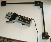 220px-Power_Glove_2.jpg
