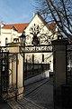 Prag Vyšehrader Friedhof Tor 342.jpg