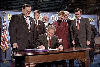 Mark Schweiker - Schweiker, from the far right, watches as President George W. Bush signs the Brownfields  Bill.