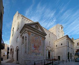 Roman Catholic Archdiocese of Trani-Barletta-Bisceglie - Image: Puglia Bisceglie 3 tango 7174