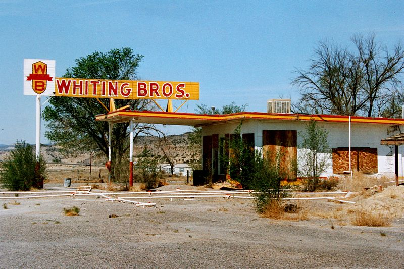 Datei:ROUTE 66 Whiting Bros.jpg