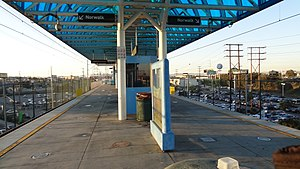 Redondo Beach station - Station platforms.