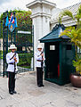 Regimiento Primero de Infantería de la Guardia Real, Gran Palacio, Bangkok, Tailandia, 2013-08-22, DD 04.JPG