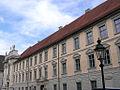 Residenzplatz 1 Eichstätt Westflügel von Süden.jpg