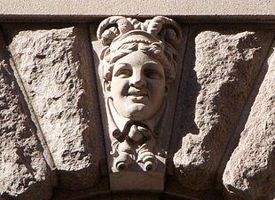 Riksdagen mask 2011c.jpg
