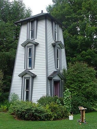 Riverside Inn (Cambridge Springs, Pennsylvania) - Water tower at the inn