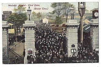 Royal Arsenal Gatehouse - Image: Royal Arsenal third gates, c 1905