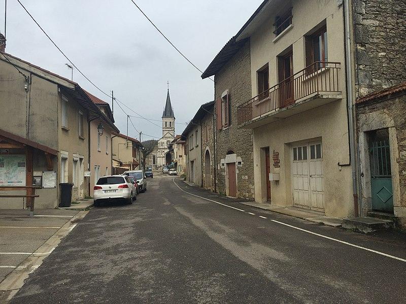 Rue à Saint-Martin-du-Mont.