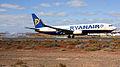 Ryanair B737-800 EI-DYC (4185840374).jpg