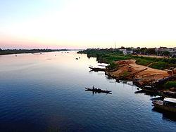 Chiều bên kia sông Thạch-hãn- Huy Uyên