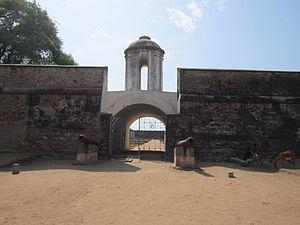 Sadras - Entrance of Sadras fort