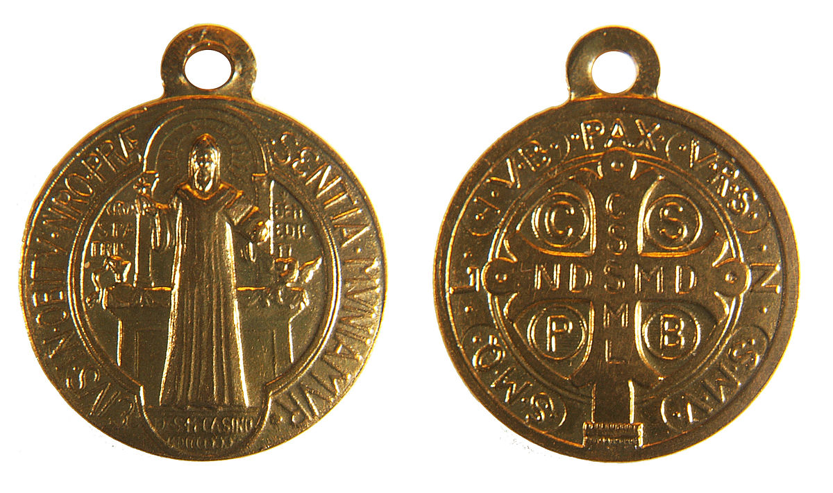 anniyo for from patron saint badge benedictine benedict pendant catholic women chain st in necklaces holy medallion barbe item gold medal color