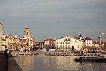 Saint Jean de Luz Port Eglise.jpg