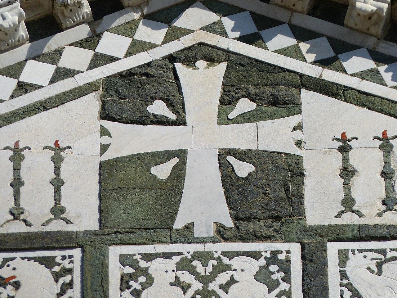 San Miniato al Monte, Firenze, la facciata di San Miniato, uno dei capolavori dell'architettura romanica fiorentina
