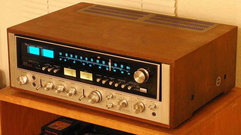 ¿Cual es vuestro amplificador vintage favorito? 1024px-Sansui