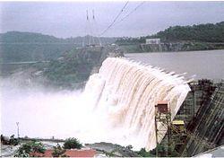 Sardar Sarovar Dam partially completed.JPG