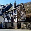 Sauerthal, Tiefenbachstr. 9, ferfallen fakwurkhûs.jpg
