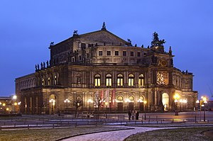 English: Semperoper (Dresden) by night Deutsch...