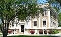 Sherman County Courthouse (Nebraska) from SE 1.JPG
