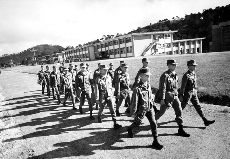 Tập tin:South Vietnamese cadets at Dalat 2.jpg