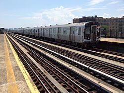 Southbound F train leaves Avenue P.jpg