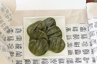Double Third Festival - ssuktteok, mugwort rice cakes