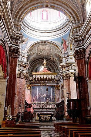Collegiate Church of Saint Lawrence, Vittoriosa - Interior of the church