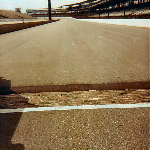 File:Starting-line-at-the-Indianapolis-motor-speedway-1985.JPG