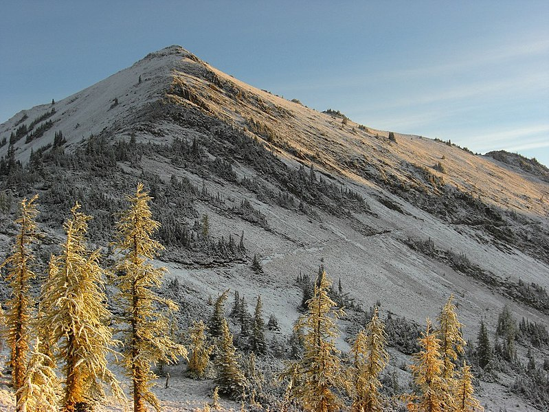 File:Sunrise hits Tatie Peak (5038438596).jpg