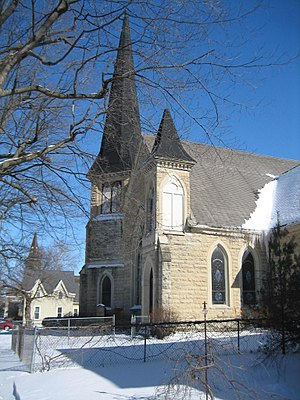Churches in Sycamore Historic District - There are five extant churches in the district including the Old Congregational Church, designed by George O. Garnsey.