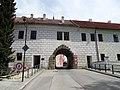 Třeboň, Budějovická brána, ze Sokolské (02).jpg