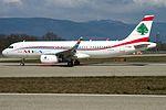 T7-MRE Airbus A320-232 A320-S - MEA (26082761851).jpg