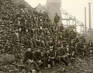 Upper Peninsula Michigan, USA, 1905. Miners po...