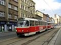 Tatra T3R.P u zastávky Krymská (4).jpg
