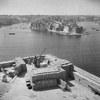 Saluting Battery (Valletta) - Bofors 40 mm gun at the Saluting Battery in 1942