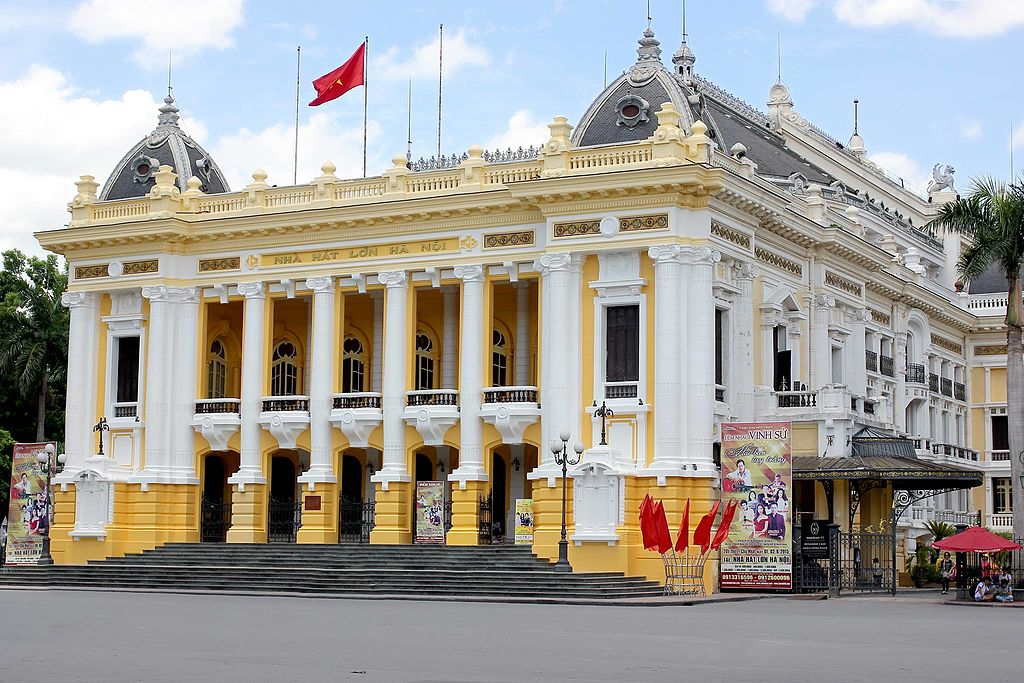 Opéra d'Hanoi au Vietnam inspiré de l'opéra Garnier à Paris - Photo de Hieucd