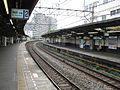 Tobu-railway-tojo-main-line-Shimo-itabashi-station-platform-20090813.jpg