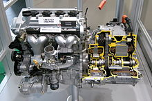 Toyota 1NZ-FXE Engine 01.JPG