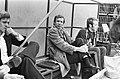 Trainer Hans Kraay (Ajax) in de dug-out (links), Bestanddeelnr 927-8952.jpg