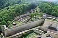Trenčín hrad južné opevnenie pohľad z veže 2017.jpg