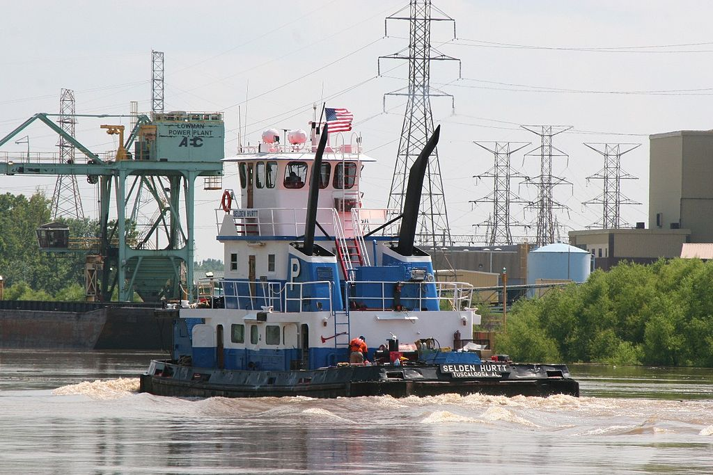 Tugboat in Jackson Alabama -a.jpg