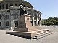 Tumanyan statue (Opera house of Yerevan) - 2017.JPG