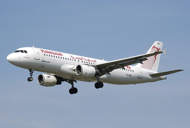 Tunisair Airbus A320-200 (TS-IME). Photo Adrian Pingstone